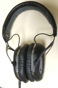 V-Moda LP2 Vertical